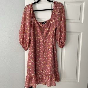 Lulus floral dress 🌼